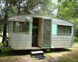 Stay in a retro 1960's onsite 4 berth caravan at Grampians Paradise Camping and Caravan parkland